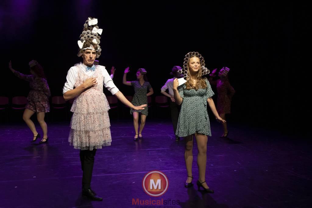 Dansende-Woe-Li-Meesters-cast-2-56