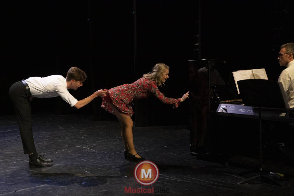 Dansende-Woe-Li-Meesters-cast-2-80
