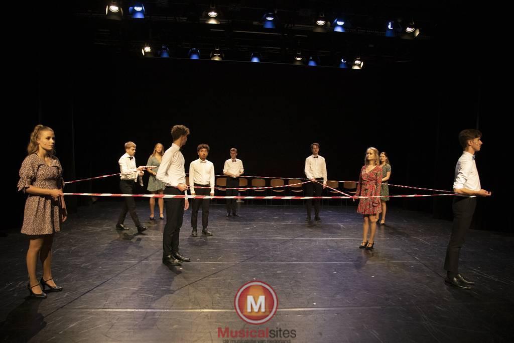 Dansende-Woe-Li-Meesters-cast-2-89
