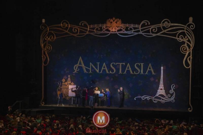 Anastasia-Marit-Lemmens-10