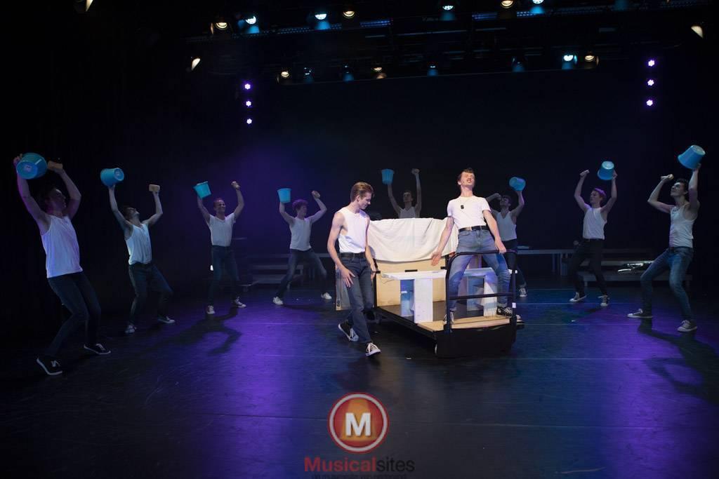 Fontys-2019-1e-en-2e-jaars-Grease-2506-64