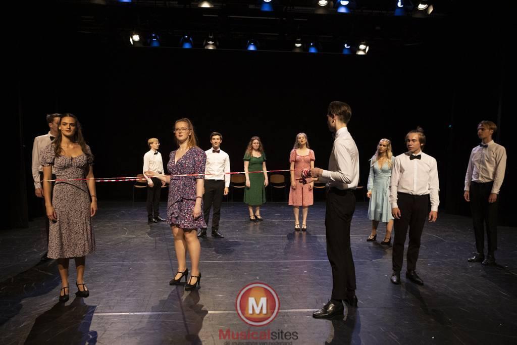 Dansende-Woe-Li-Meesters-cast-1-90