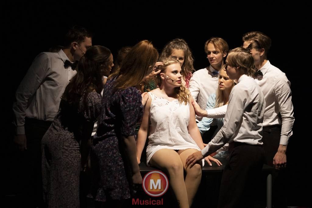 Dansende-Woe-Li-Meesters-cast-1-95