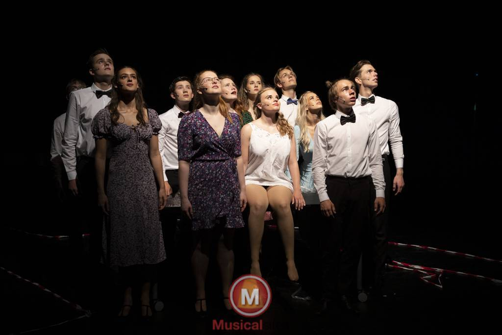 Dansende-Woe-Li-Meesters-cast-1-96