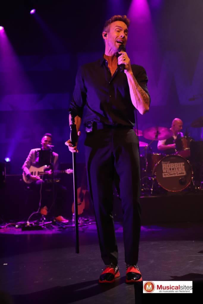 Story-of-Robbie-Williams-Jeanne-Rutgers-7